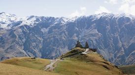 ทัวร์อาเซอร์ไบจาน จอร์เจีย อาร์เมเนีย 10 วัน 7 คืน โบสถ์เกอร์เกตี้ ภูเขาโคลน บิน EK
