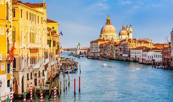 ทัวร์ยุโรปตะวันตก อิตาลี สวิส ฝรั่งเศส 8 วัน 5 คืน เกาะเวนิส ยอดเขาจุงเฟรา พระราชวังแวร์ซายย์ บิน QR