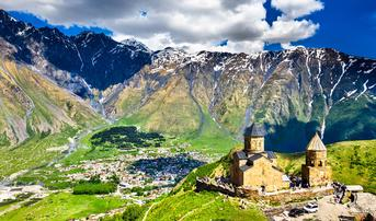 ทัวร์อาร์เซอร์ไบจาน จอร์เจีย อาร์เมเนีย 10 วัน 7 คืน ภูเขาโคลน โบสถ์เกอร์เกตี้ วิหารเกกฮาร์ด บิน EK