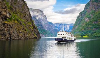 ทัวร์สแกนดิเนเวีย เดนมาร์ก นอร์เวย์ ฟินแลนด์ สวีเดน 9 วัน 6 คืน อุทยานฟรอกเนอร์ ล่องเรือซองน์ฟยอร์ด บิน TG