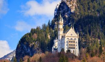ทัวร์ยุโรป เยอรมัน ออสเตรีย สวิส ฝรั่งเศส 8 วัน 5 คืน ปราสาทนอยชวานสไตน์ ยอดเขาจุงเฟรา บิน QR