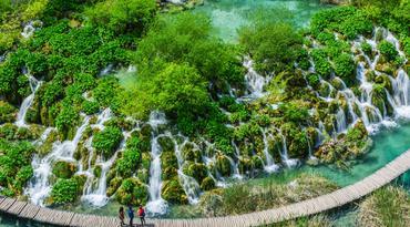 ทัวร์ยุโรป โครเอเชีย สโลเวเนีย บอสเนีย 10 วัน 7 คืน อุทยานแห่งชาติพลิตวิเซ่ ถ้ำโพสทอยน่า บิน OS