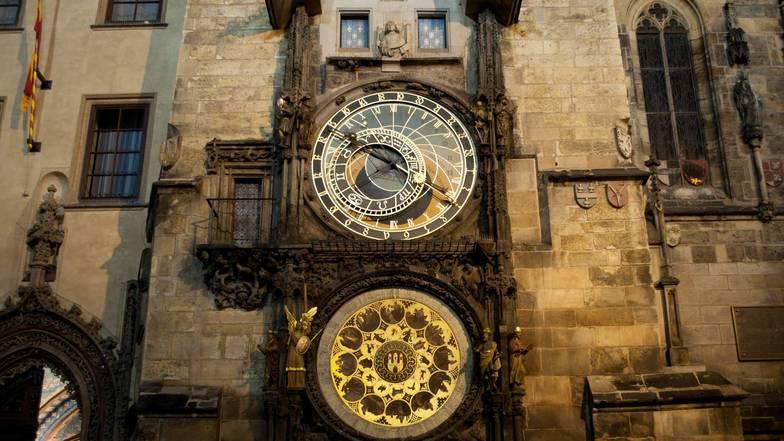 หอนาฬิกาดาราศาสตร์