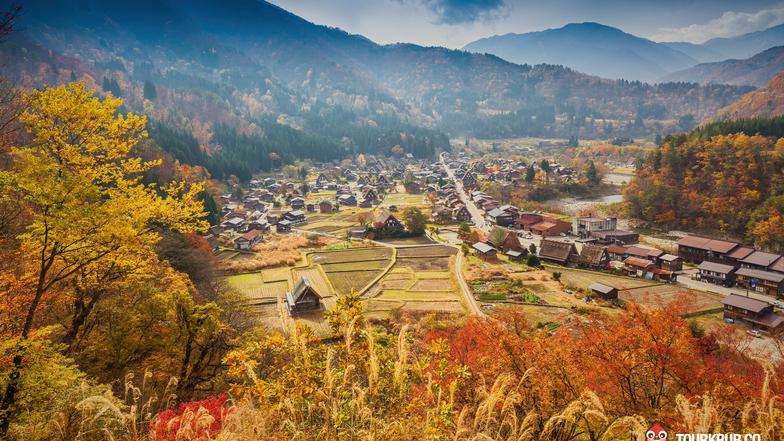 ทัวร์ญี่ปุ่น โอซาก้า ทาคายาม่า 5 วัน 3 คืน หมู่บ้านมรดกโลกชิราคาวาโกะ เยือนเมืองเก่าซันมาชิซึจิ (ใบไม้เปลี่ยนสี) บิน ไทยแอร์เอเชียเอกซ์